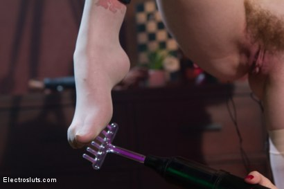 Photo number 4 from Electrocock Therapy shot for Electro Sluts on Kink.com. Featuring Mizz Amanda Marie and Aiden Starr in hardcore BDSM & Fetish porn.