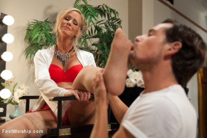 Photo number 15 from MILF Cougar With Sweaty Feet! shot for Foot Worship on Kink.com. Featuring Simone Sonay and Tyler Nixon in hardcore BDSM & Fetish porn.