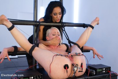 Photo number 5 from Electric Anal Speculum! Lorelei Lee Submits to Isis Love!! shot for Electro Sluts on Kink.com. Featuring Isis Love and Lorelei Lee in hardcore BDSM & Fetish porn.