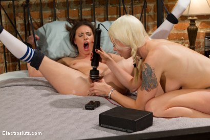 Photo number 7 from The Lonely Housewife: An Electrosluts.com Feature Presentation shot for Electro Sluts on Kink.com. Featuring Lorelei Lee and Casey Calvert in hardcore BDSM & Fetish porn.