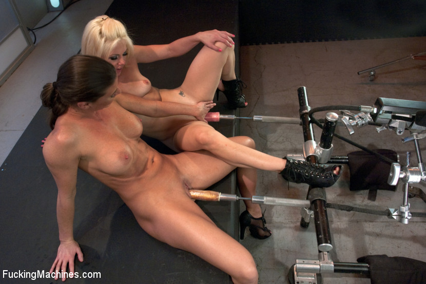 Ariel X Fists & Machine Fucks Holly Hanna. Fist train & Squirting O's!