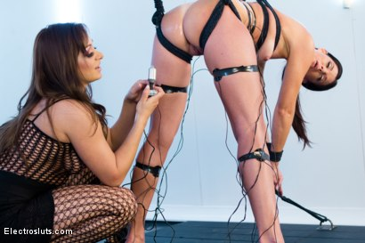 Photo number 5 from Drop Dead Gorgeous MILF Subs on Electrsluts shot for Electro Sluts on Kink.com. Featuring India Summer and Lea Lexis in hardcore BDSM & Fetish porn.