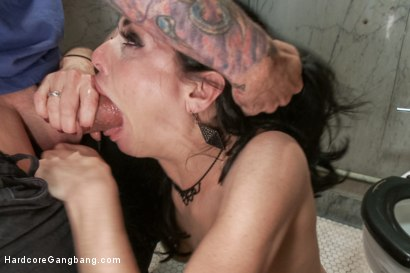Photo number 3 from Veronica Avluv - SEX ADDICT shot for Hardcore Gangbang on Kink.com. Featuring Veronica Avluv, John Strong, Toni Ribas, Karlo Karrera, Astral Dust and Bill Bailey in hardcore BDSM & Fetish porn.