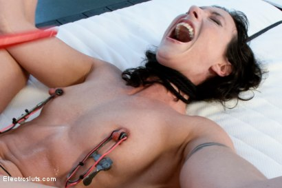 Photo number 17 from Wenona Broken By Electrosex shot for Electro Sluts on Kink.com. Featuring Isis Love and Wenona in hardcore BDSM & Fetish porn.
