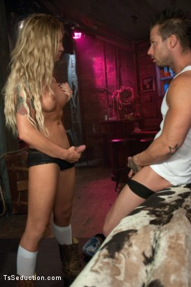 Photo number 4 from BRAND NEW TOP TALENT - Sexy, toned, tanned and hung - AUBREY KATE shot for TS Seduction on Kink.com. Featuring Aubrey Kate and Rod Daily in hardcore BDSM & Fetish porn.