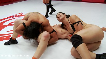 Photo number 4 from Jayogen makes U/S Debut w partner Isamar to take on Cheyenne & Dragon shot for Ultimate Surrender on Kink.com. Featuring Penny Barber, Daisy Ducati, Serena Blair, DragonLily, Dee Williams, Izamar Gutierrez, Bella Wilde, Cheyenne Jewel, Bella Rossi, Jayogen, Beretta James, Sophia Fiore and Isis Love in hardcore BDSM & Fetish porn.