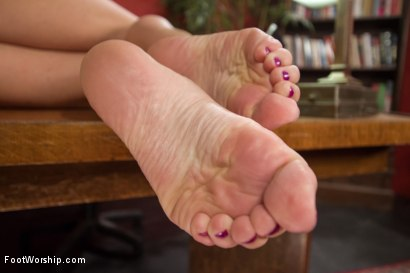 Photo number 4 from A Package Delivered: A Bicycle Messenger's Foot Fantasy Cums Alive shot for Foot Worship on Kink.com. Featuring Cliff Adams and Krissy Lynn in hardcore BDSM & Fetish porn.