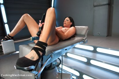 Photo number 4 from Hubba Hubba The MILF of Summa: India Summer shot for Fucking Machines on Kink.com. Featuring India Summer in hardcore BDSM & Fetish porn.