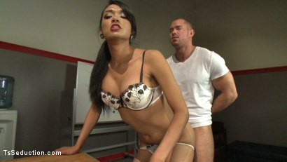 Photo number 3 from Football Season Begins with a Locker Room Seduction & Switch Fucking! shot for TS Seduction on Kink.com. Featuring Jessica Fox and Beau Warner in hardcore BDSM & Fetish porn.