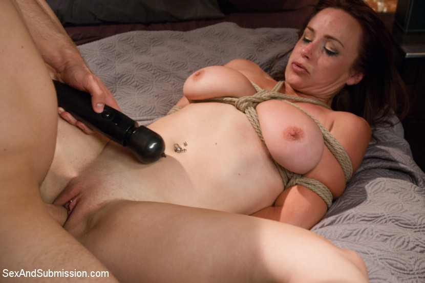 join lesbians using double headed dildo very well