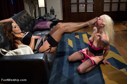 Photo number 7 from POV foot tease & torment, Solo Foot Masturbation, Shoe Pissing & more! shot for Foot Worship on Kink.com. Featuring Lorelei Lee in hardcore BDSM & Fetish porn.