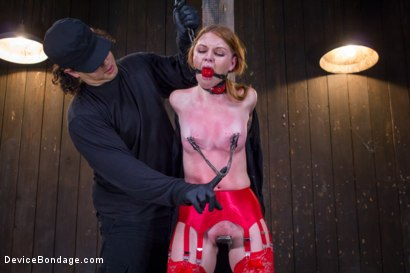 Photo number 4 from Seeing Red shot for Device Bondage on Kink.com. Featuring Orlando and Marie McCray in hardcore BDSM & Fetish porn.