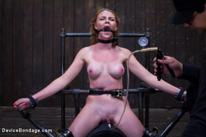 Photo number 9 from Seeing Red shot for Device Bondage on Kink.com. Featuring Orlando and Marie McCray in hardcore BDSM & Fetish porn.