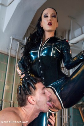Photo number 12 from Introducing The FemDom Factory in Berlin and the Debut of Fetish Liza! shot for Divine Bitches on Kink.com. Featuring Fetish Liza and Enzo Bloom in hardcore BDSM & Fetish porn.