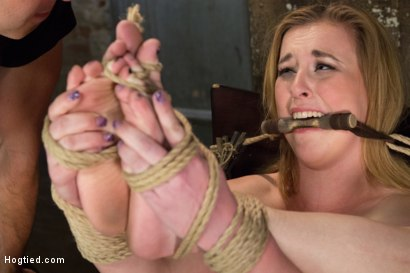 Photo number 10 from Horny 18 Year Old Slut Teased and Orgasmed in Tight Rope! shot for Hogtied on Kink.com. Featuring Jessie Parker in hardcore BDSM & Fetish porn.