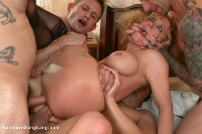Photo number 14 from Queen of Hearts: Part 1. The Double life of Darling. shot for Hardcore Gangbang on Kink.com. Featuring Dee Williams, Astral Dust, John Strong, Bill Bailey, Xander Corvus and Tommy Pistol in hardcore BDSM & Fetish porn.
