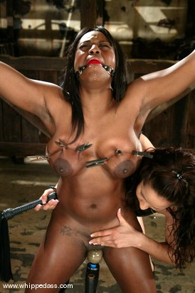 Isis Love and Jada Fire