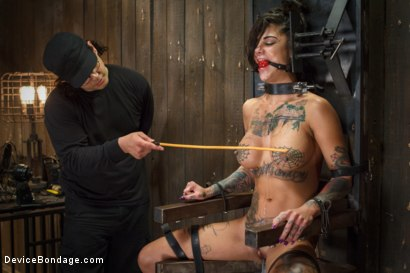 Photo number 15 from Bonnie Rotten-Uncontrollable Squirting Orgasms!!!! shot for Device Bondage on Kink.com. Featuring Bonnie Rotten and Orlando in hardcore BDSM & Fetish porn.