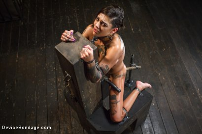 Photo number 8 from Bonnie Rotten-Uncontrollable Squirting Orgasms!!!! shot for Device Bondage on Kink.com. Featuring Bonnie Rotten and Orlando in hardcore BDSM & Fetish porn.