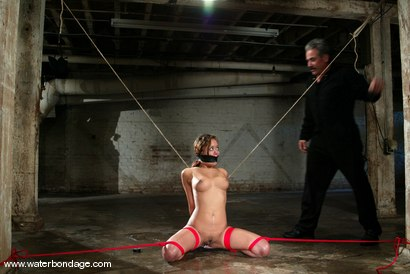 Photo number 5 from Annie Cruz shot for Water Bondage on Kink.com. Featuring Annie Cruz in hardcore BDSM & Fetish porn.