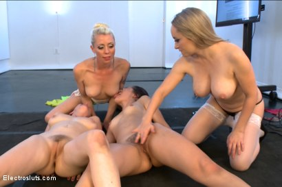 Photo number 15 from Electrosluts All Stars LIVE !! Part One shot for Electro Sluts on Kink.com. Featuring Lorelei Lee, Aiden Starr, Penny Pax and Kristina Rose in hardcore BDSM & Fetish porn.