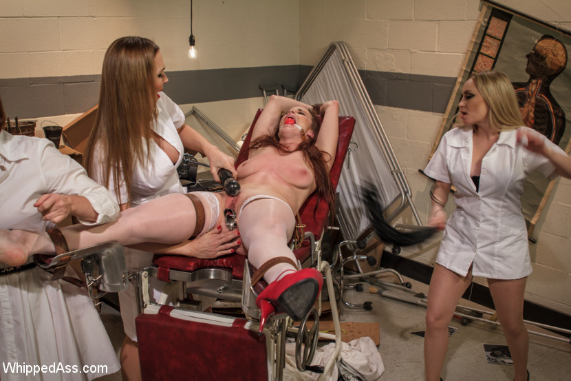 Naughty nurse in latex gives head to this patient with a pro style 5