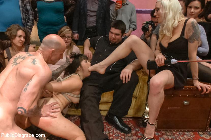 Порно кинк публичное 73305 фотография