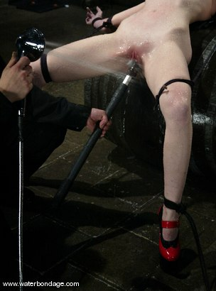 Photo number 4 from Kendra James shot for Water Bondage on Kink.com. Featuring Kendra James in hardcore BDSM & Fetish porn.