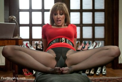 Photo number 11 from POV foot tease masturbation instruction, solo foot masturbation, foot pissing & favorites! shot for Foot Worship on Kink.com. Featuring Maitresse Madeline Marlowe in hardcore BDSM & Fetish porn.