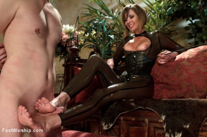Photo number 13 from POV foot tease masturbation instruction, solo foot masturbation, foot pissing & favorites! shot for Foot Worship on Kink.com. Featuring Maitresse Madeline Marlowe in hardcore BDSM & Fetish porn.