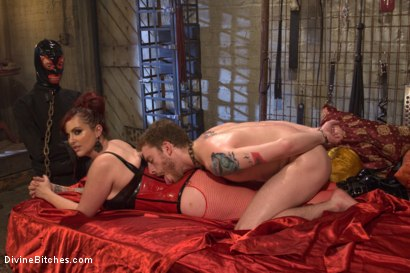 Photo number 12 from Pray to the Church of the Divine Bitches: A coerced bi and cuckolding fantasy! shot for Divine Bitches on Kink.com. Featuring Mz Berlin, Sebastian Keys and Owen Gray in hardcore BDSM & Fetish porn.