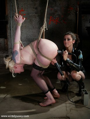 Photo number 11 from Lorelei Lee and Princess Donna Dolore shot for Wired Pussy on Kink.com. Featuring Lorelei Lee and Princess Donna Dolore in hardcore BDSM & Fetish porn.