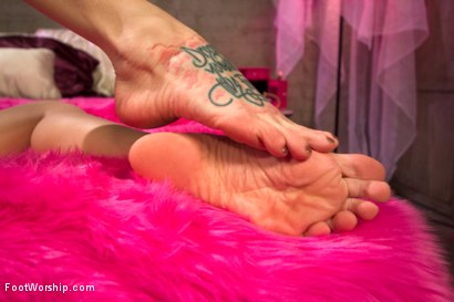 Photo number 8 from Mia Li is Gia Dimarco's Hot Lesbian Foot Toy shot for Foot Worship on Kink.com. Featuring Gia DiMarco and Mia Little in hardcore BDSM & Fetish porn.