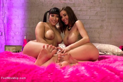 Photo number 19 from Mia Li is Gia Dimarco's Hot Lesbian Foot Toy shot for Foot Worship on Kink.com. Featuring Gia DiMarco and Mia Li in hardcore BDSM & Fetish porn.