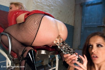 Photo number 11 from The Continuing Anal Adventures of Darling shot for Everything Butt on Kink.com. Featuring Francesca Le  and Dee Williams in hardcore BDSM & Fetish porn.