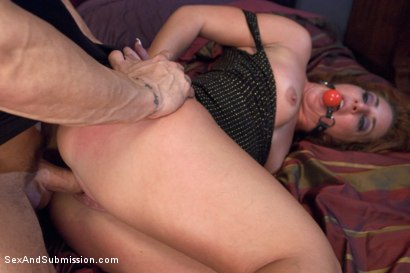 Photo number 3 from The Taken: Multi Orgasmic Squirting Anal Bondage Slut! shot for Sex And Submission on Kink.com. Featuring Savannah Fox and Derrick Pierce in hardcore BDSM & Fetish porn.