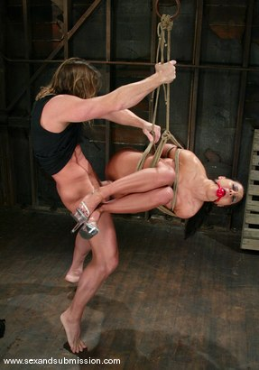 Photo number 6 from Sandra Romain and Evan Stone shot for Sex And Submission on Kink.com. Featuring Evan Stone and Sandra Romain in hardcore BDSM & Fetish porn.