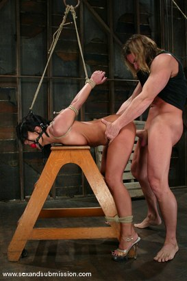 Photo number 12 from Sandra Romain and Evan Stone shot for Sex And Submission on Kink.com. Featuring Evan Stone and Sandra Romain in hardcore BDSM & Fetish porn.