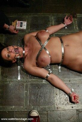 Photo number 5 from Christina Carter and Julie Night shot for Water Bondage on Kink.com. Featuring Christina Carter and Julie Night in hardcore BDSM & Fetish porn.