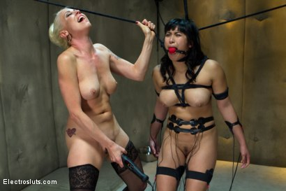 Photo number 8 from Lesbian Aversion Therapy shot for Electro Sluts on Kink.com. Featuring Mia Li and Lorelei Lee in hardcore BDSM & Fetish porn.