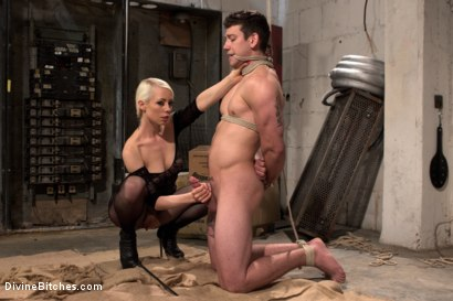 Photo number 17 from Divine Dungeon: A new slave is trained shot for Divine Bitches on Kink.com. Featuring Lorelei Lee and Reed Jameson in hardcore BDSM & Fetish porn.