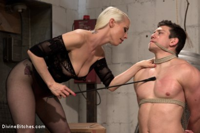 Photo number 4 from Divine Dungeon: A new slave is trained shot for Divine Bitches on Kink.com. Featuring Lorelei Lee and Reed Jameson in hardcore BDSM & Fetish porn.