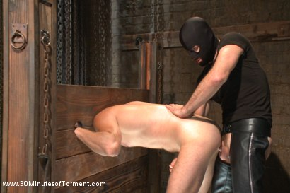 Photo number 10 from One of the most intense 30MT to date! shot for 30 Minutes of Torment on Kink.com. Featuring Leon Fox in hardcore BDSM & Fetish porn.