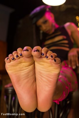 Photo number 10 from Nasty Bitch Nikki gets wet in Biker Bar shot for Foot Worship on Kink.com. Featuring Christian Wilde and Nikki Darling in hardcore BDSM & Fetish porn.