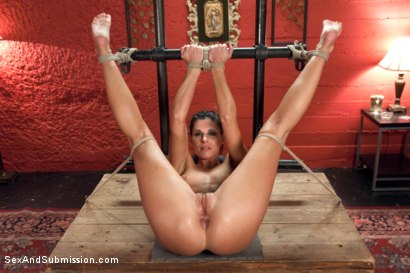 Photo number 12 from Total Submission of India Summer shot for Sex And Submission on Kink.com. Featuring Ramon Nomar and India Summer in hardcore BDSM & Fetish porn.