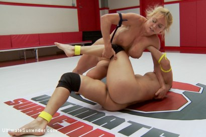 Photo number 7 from Lea Lexis Vs. Darling in a Lightweight tournament battle shot for Ultimate Surrender on Kink.com. Featuring Dee Williams and Lea Lexis in hardcore BDSM & Fetish porn.