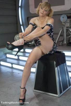 Photo number 1 from Oh oh Her She CUMS, she's a MACHINE SQUIRTER! Mona Wales gets us Wet shot for Fucking Machines on Kink.com. Featuring Mona Wales in hardcore BDSM & Fetish porn.