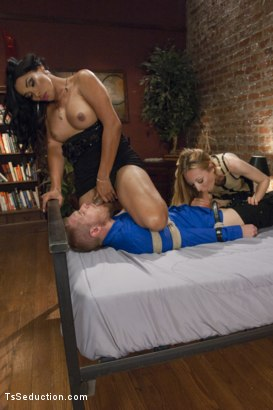 Photo number 3 from Any Hole Will Do: The Return of Queen Vaniity shot for TS Seduction on Kink.com. Featuring Alex Adams, Vaniity and Emma Haize in hardcore BDSM & Fetish porn.