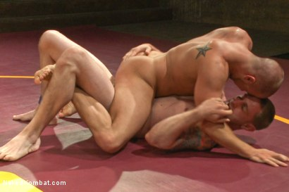 Photo number 6 from Naked Kombat's Summer Smackdown Tournament - Match 2  shot for Naked Kombat on Kink.com. Featuring Eli Hunter and Jay Rising in hardcore BDSM & Fetish porn.