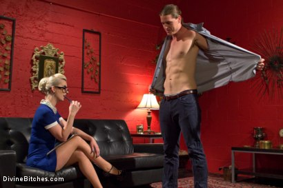 Photo number 3 from Girl Boss shot for Divine Bitches on Kink.com. Featuring Kip Johnson and Cherry Torn in hardcore BDSM & Fetish porn.